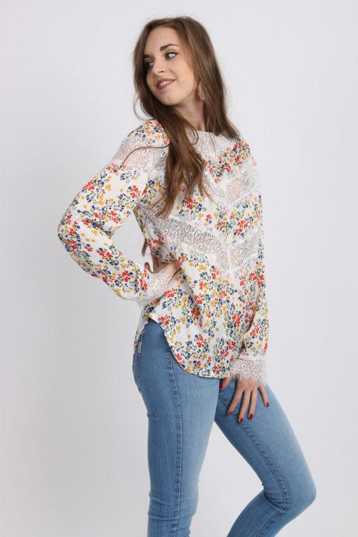 blouse dentelle fleurs