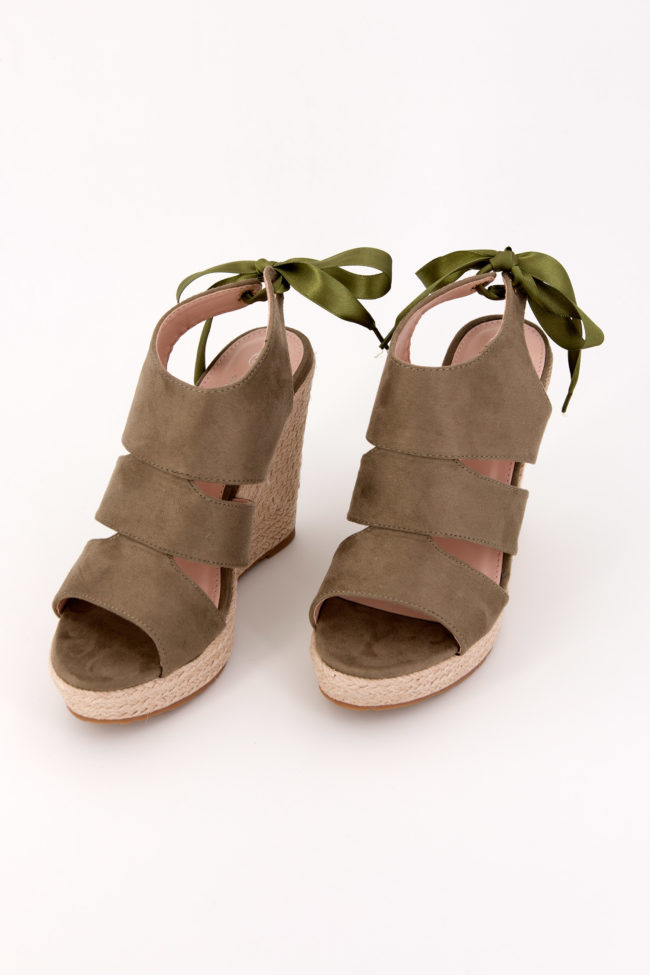 sandales compensées kaki