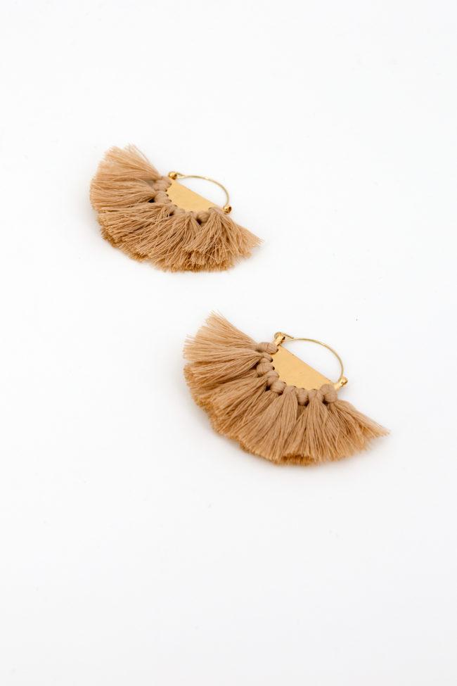 boucles pompons beige