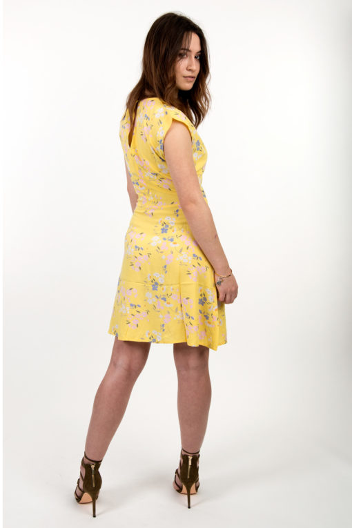 robe jaune a fleurs