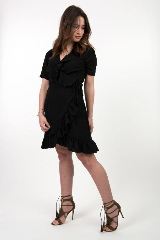 robe noire volantée
